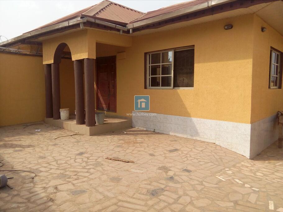 4 Bedroom Bungalow at Ibadan Oyo   Hutbay