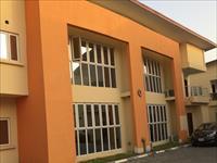 4 Beds / 4 Baths Duplex To Rent