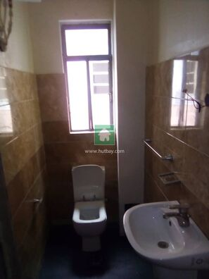 SERVICED 3 BEDROOM FLAT WITH A BQ FOR RENT AT OSAPA LONDON, Lekki, Lagos