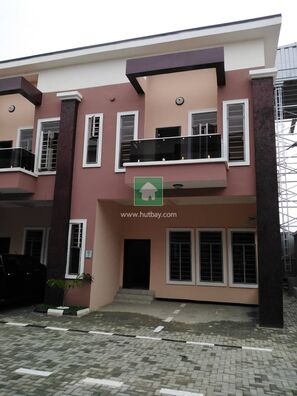 Elegantly Built 4 Bed Terraced Duplex En-Suite, 2-3 Cars Parking, Lekki, Lagos