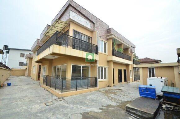 3 Bedroom Flat With Big Windows, Lekki, Lagos