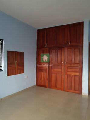 CLEAN 3 BEDROOM FLAT IN A GATED ESTATE AT AGUNGI FOR RENT, Lekki, Lagos