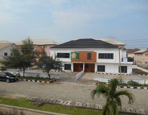 A LARGE 5 BEDROOMS DUPLEX FOR SALE IN OCEAN BAY ESTATE, LEKKI, Lekki, Lagos